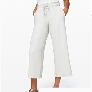 LULULEMON on the Fly Wide-Leg 7/8 Pant  Woven New
